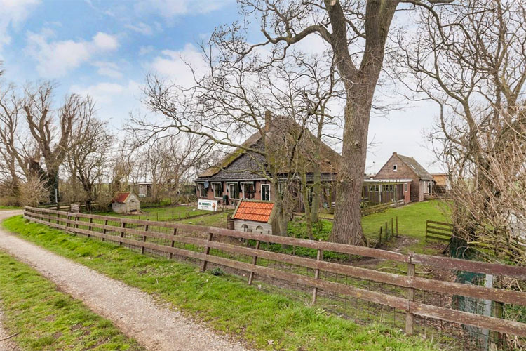 Stolpboerderij te koop in Schagen